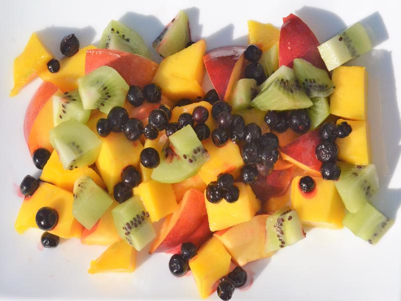 Mango, nectarine, kiwi, blueberries 4846 (2)-800×600